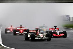 Rubens Barrichello, Honda RA106 al comienzo de la carrera