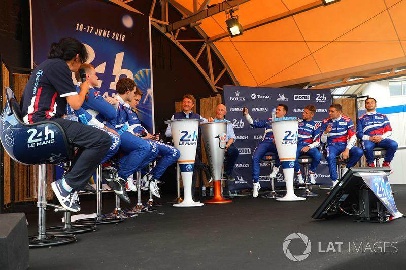 #11 SMP Racing BR Engineering BR1: Mikhail Aleshin, Vitaly Petrov, Jenson Button, #35 SMP Racing Dallara P217 Gibson: Viktor Shaytar, Harrison Newey, Norman Nato