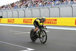 Road Cyclist Simon Yates of Michelton-Scott takes to the circuit on his bike