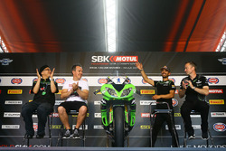Kenan Sofuoglu, Kawasaki Puccetti Racing waves the crowd as he walks on stage