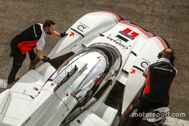 Porsche 919 Hybrid Evo, Porsche Team front fenders detail