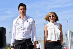 Керівник Mercedes AMG F1 Тото Вольфф, Сьюзі Вольфф
