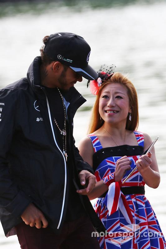 Lewis Hamilton, Mercedes AMG F1 with a fan
