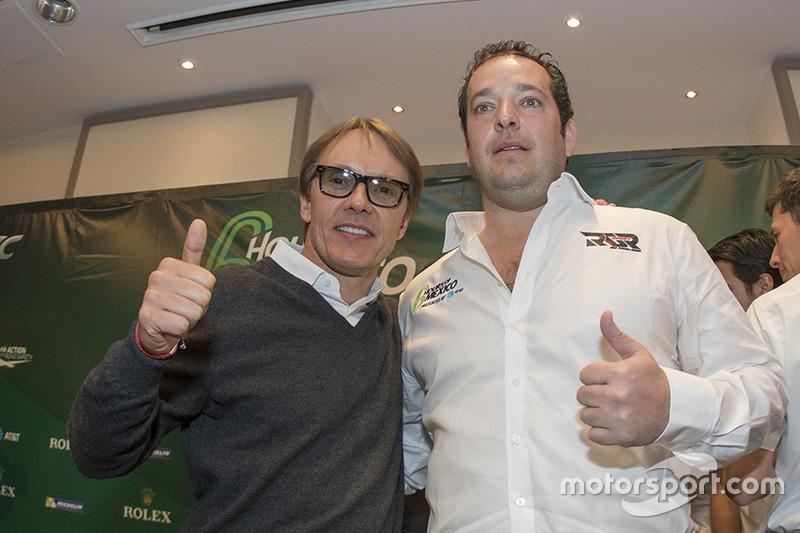 Ex piloto Adrián Fernández y Ricardo González, RGR Sport