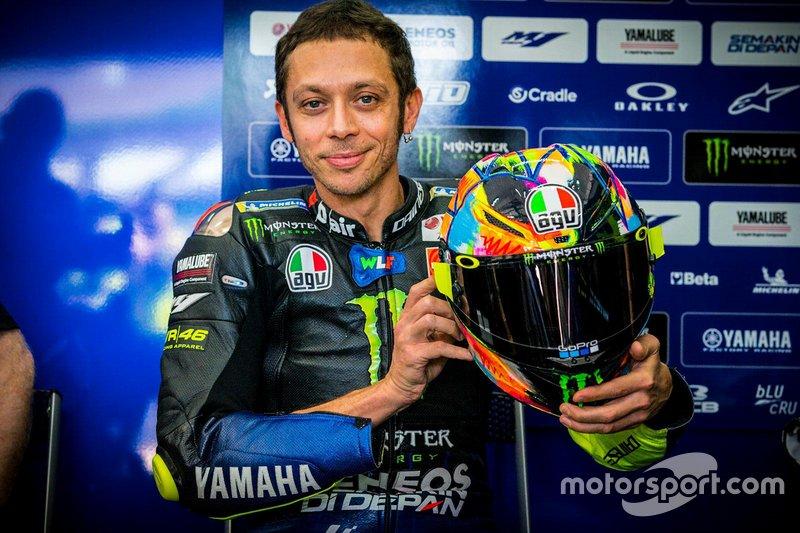 Валентино Россі, Yamaha Factory Racing, з шоломом для зимових тестів MotoGP