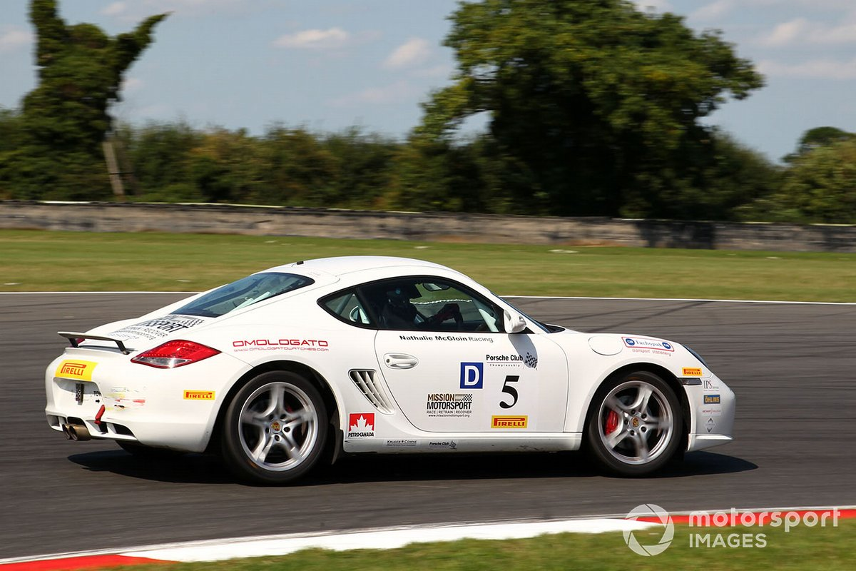 Натали Макглойн, Porsche Cayman S