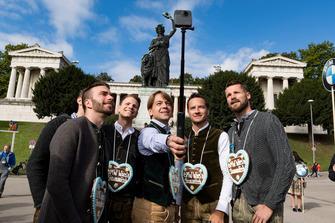 Philipp Eng, Nico Menzel, Marco Wittmann, Agusto Farfus, Timo Scheider, Martin Tomczyk