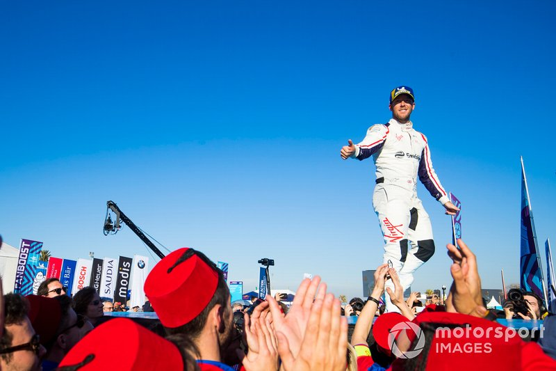 Robin Frijns, Envision Virgin Racing, 2° classificato, sul podio