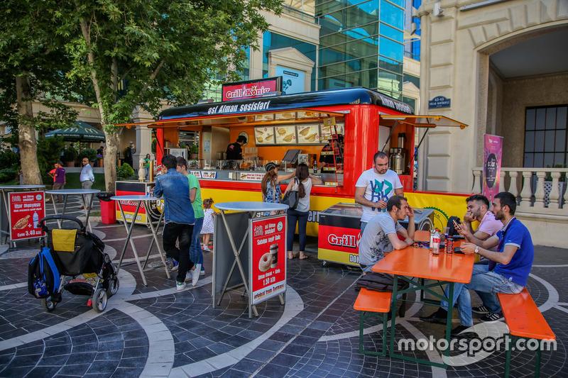 Німецька закусочна на колесах