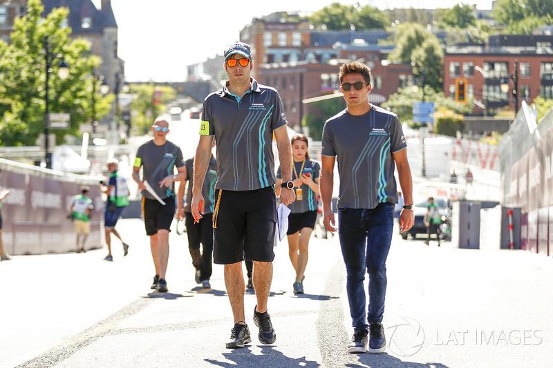 Mitch Evans, Jaguar Racing,camina en la pista