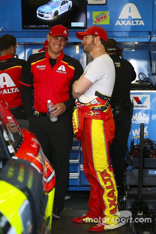 Dale Earnhardt Jr., Hendrick Motorsports Chevrolet y Jacob Engle