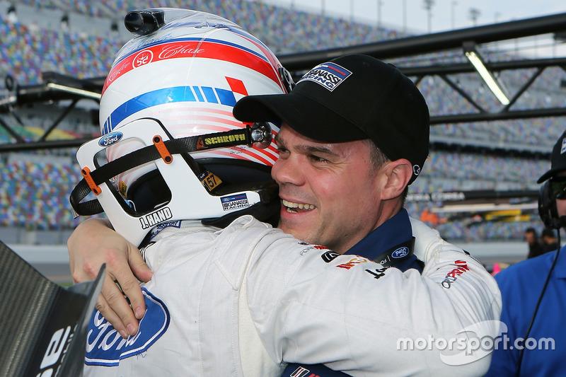 Pole GTLM voor Joey Hand, Ford Performance Chip Ganassi Racing met Dirk Müller