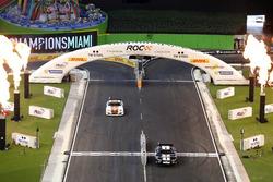 Дэвид Култхард и Курт Буш, Whelen NASCAR car