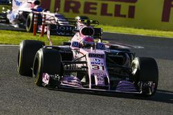 Esteban Ocon, Sahara Force India F1 VJM10, Sergio Perez, Sahara Force India F1 VJM10