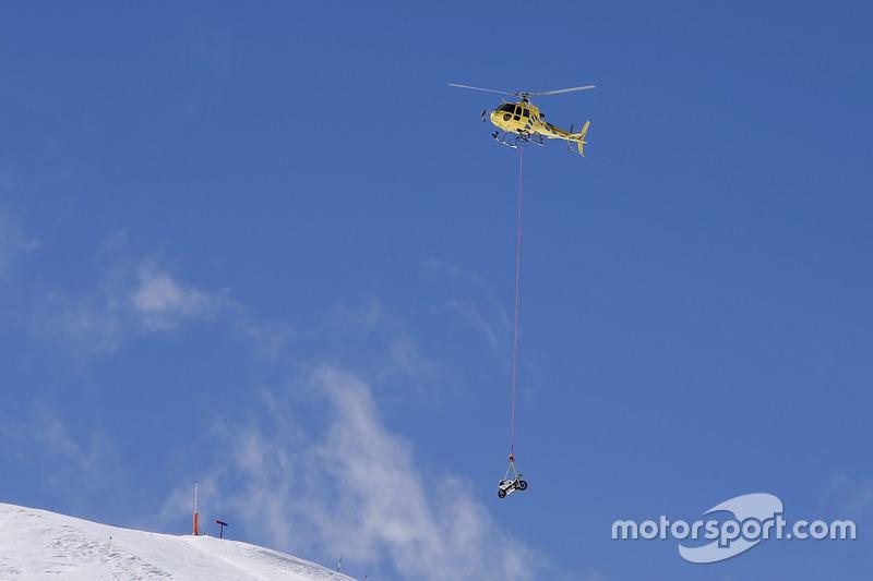 7. La moto de Avintia Racing MotoGP está llegando