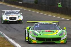 #333 Rinaldi Racing Ferrari 488 GT3: Alexander Matschull, Daniel Keilwitz
