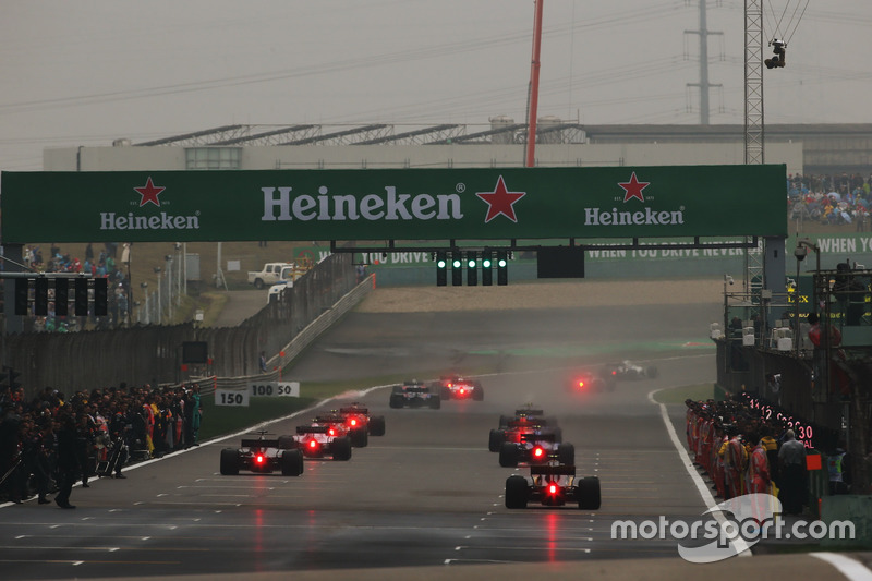 Start of the formation lap