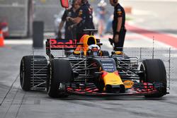 Daniel Ricciardo, Red Bull Racing RB13 with aero sensors