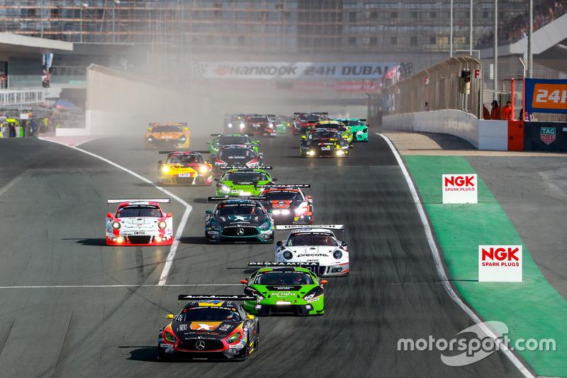 Start action, #2 Black Falcon Mercedes AMG GT3: Khaled Al Qubaisi, Jeroen Bleekemolen, Patrick Assen