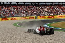Marcus Ericsson, Sauber C37 Ferrari, spins into a gravel trap