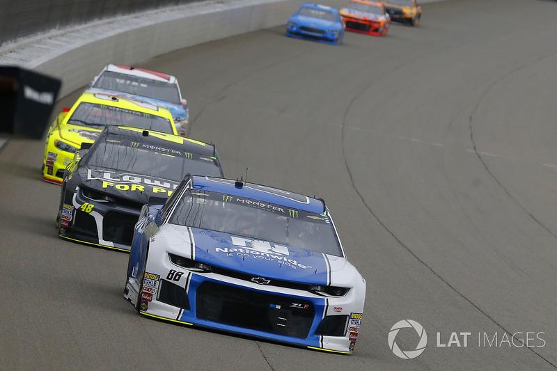 Alex Bowman, Hendrick Motorsports, Chevrolet Camaro Nationwide e Jimmie Johnson, Hendrick Motorsports, Chevrolet Camaro Lowe's for Pros