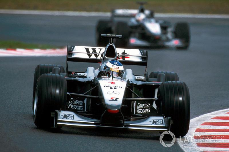 2000: Мика Хаккинен, McLaren-Mercedes MP4/15