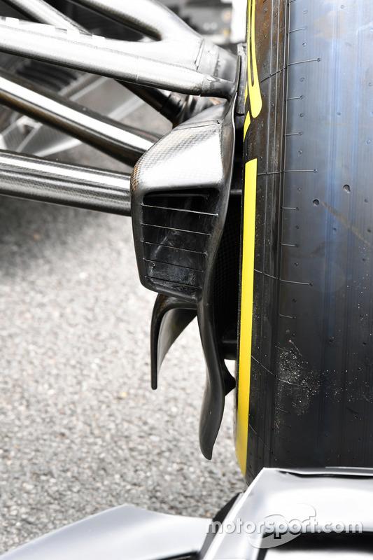 Renault Sport F1 Team RS17 ön fren kanalı detay