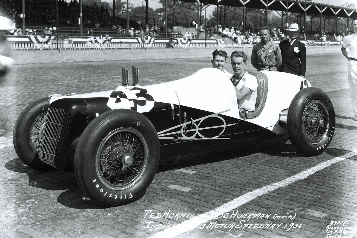 The Miller-Ford V8 was a nice looking car, but its mechanical layout would be its downfall.