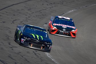 Kurt Busch, Chip Ganassi Racing, Chevrolet Camaro Monster Energy, Erik Jones, Joe Gibbs Racing, Toyota Camry Craftsman