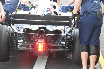 Williams FW41, ala posteriore e retrotreno
