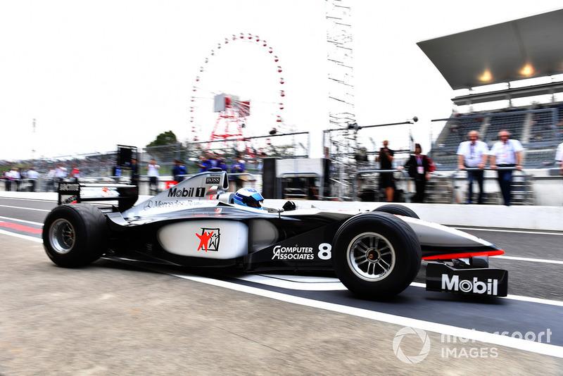 Міка Хаккінен, McLaren MP4/13, заїзди на честь 30-річчя Гран Прі Японії