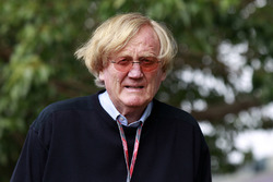 Рон Вокер, голова Гран Прі Австралії