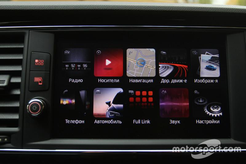 Тач-скрин дисплей SEAT Leon CUPRA