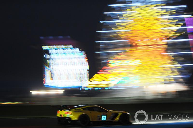 #63 Corvette Racing Chevrolet Corvette C7.R: Ян Магнуссен, Антонио Гарсия, Майк Роккенфеллер
