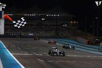 Yarış galibi Lewis Hamilton, Mercedes F1 W07 Hybrid, Nico Rosberg, Mercedes F1 W07 Hybrid, Sebastian Vettel, Ferrari SF16-H, Max Verstappen, Red Bull Racing RB12