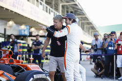 LAT Photographer Steven Tee with Fernando Alonso, McLaren