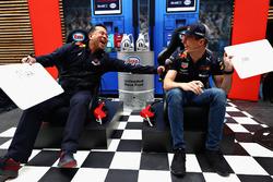 David Tsurusaki y Max Verstappen, Red Bull Racing
