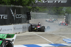 Crash: Santino Ferrucci, Dale Coyne Racing Honda