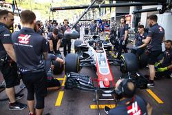 Entraînement aux arrêts au stand chez Haas F1