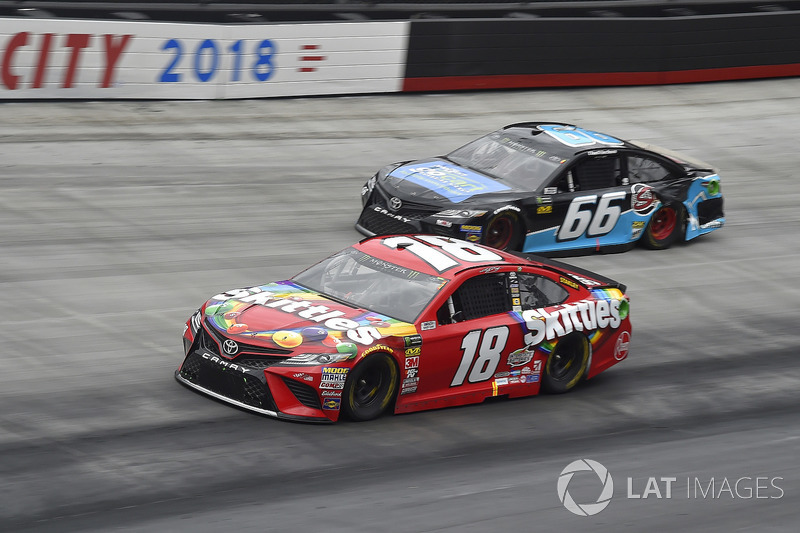 Kyle Busch, Joe Gibbs Racing, Toyota Camry Skittles, Chad Finchum, Motorsports Business Management, Toyota Camry, Concrete North / Smithbuilt Homes