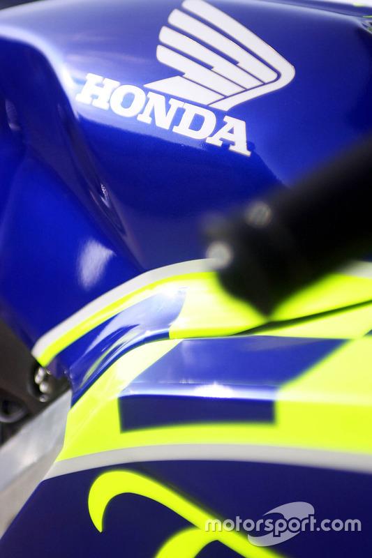 Honda RC211V detalle