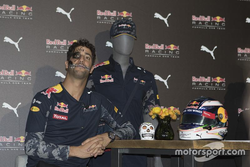 Даніель Ріккардо, Red Bull Racing, уособлював череп