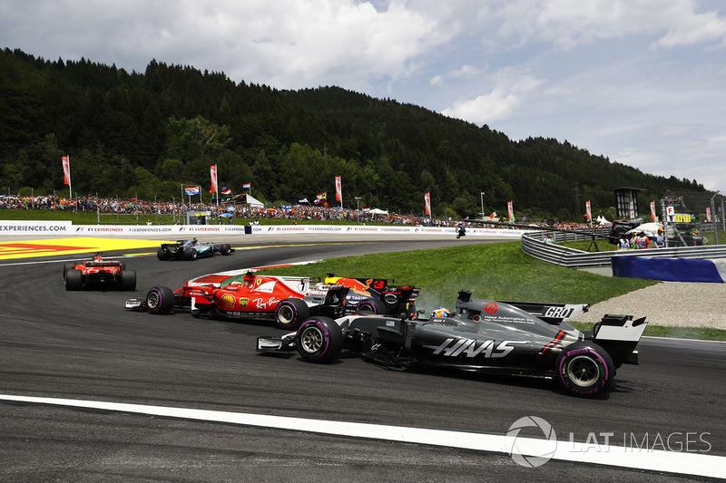 Даніель Ріккардо, Red Bull Racing RB13, Кімі Райкконен, Ferrari SF70H, Ромен Грожан, Haas F1 Team VF-17, на старті