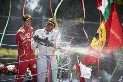 1. Lewis Hamilton, Mercedes AMG F1; 3. Sebastian Vettel, Ferrari