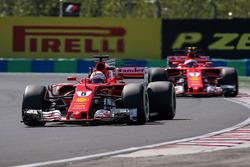 Sebastian Vettel, Ferrari SF70-H et Kimi Raikkonen, Ferrari SF70-H