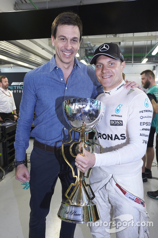 Toto Wolff, Executive Director Mercedes AMG F1, Valtteri Bottas, Mercedes AMG F1
