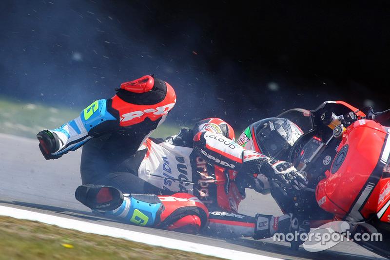 Marco Melandri, Ducati Team, caída