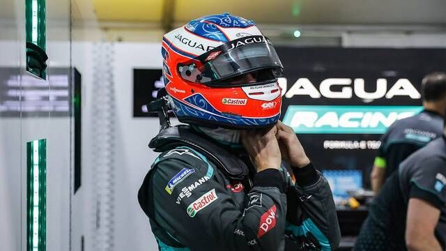 Jaguar Racing | Mitch Evans Reveals His New Season 7 Helmet