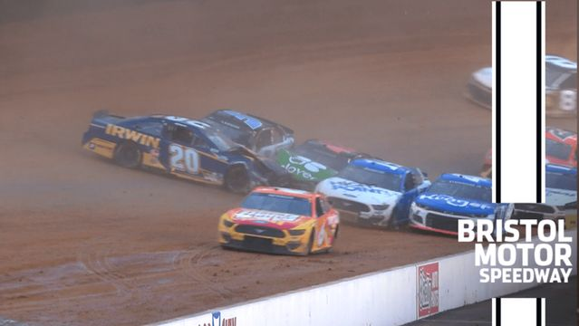 Kyle Larson, Christopher Bell sustain heavy damage in Stage 1 crash
