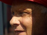 Lauda regards changes with interest